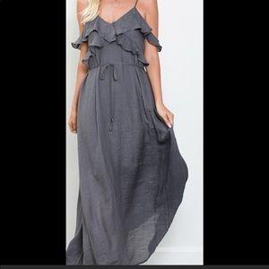 Dresses & Skirts - ✨Sale✨Ruffle Cold Shoulder Maxi